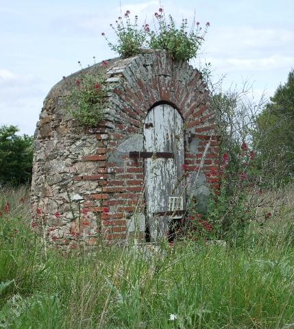 Image puits pierre - Puit en pierre ...